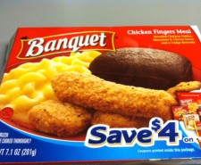 Oh Banquet, you're oddly cheap meals raise suspicions and appetites daily.  Today we've got chicken fingers.  I can only assume it's something like their Chicken Nuggets meal.  The only real difference is whereas  the one comes with corn, this one...